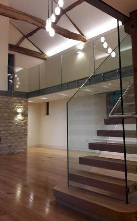 Feature glass & oak staircase